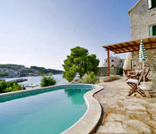 3 Bedroom Villa in Sumartin with Pool on Brac, Sleeps 6
