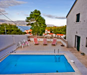 Selection of 1 and 2 bedroom apartments, Postira, Brac