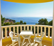1 bedroom Apartments in Brela with shared Pool, Sleeps 2-4*