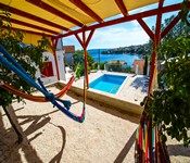 2 Bedroom Apartment with Pool near Trogir. Sleeps 4-6