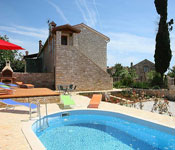 2 bedroom Villa with Pool near Porec, Sleeps 4-8