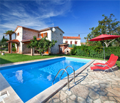 3 bedroom Villa with Pool near Vodnjan, Sleeps 6