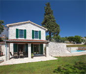 2 bedroom Villa with Pool nr Rabac, Sleeps 4-5