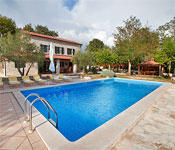 Istrian Villa with garden and pool near Sveti Lovrec, Sleeps 6