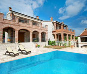 3 bedroom Istrian Villa with Pool near Kastelir, Sleeps 6-7