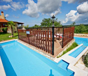 1 and 2 Bedroom Apartments near Visnjan,�Istria. Sleeps 2-6