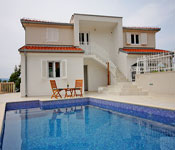 6 bedroom Villa with Pool near Omis, Sleeps 12-14