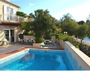 7 Bedroom Beachfront Villa with Pool in Mirca