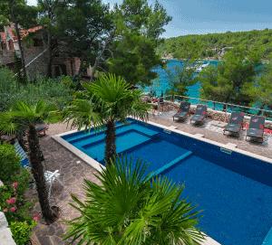 5 Bed Villa with Pool near Milna, Sleeps 10