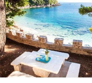 Beachfront Villas & Apartments – Book Now