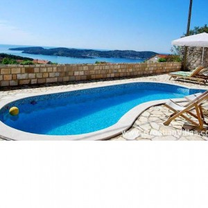 Great villa for groups near Dubrovnik, with pool – sleeps 10