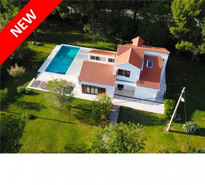 Spacious 4 bed villa with pool and large grounds near Dubrovnik