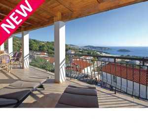 3 Bed Hvar Apartment with Balcony, Sleeps 5