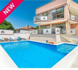 NEW! Istrian villa sleeps 6. Walk to beach and restaurants.