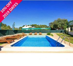 4 Bed Apartment with Pool nr Korcula Town