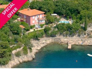 Kvarner Bay Apartment with shared pool