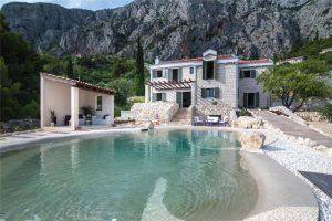 4 Bed Luxury Villa with Pool & Spa in Makarska