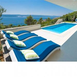 Luxury villa on the coast near Omis – sleeps 6-8
