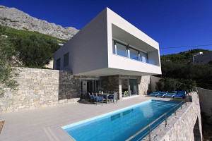 3 Bedroom Villa with Pool and Sea View near Omis, Sleeps 6-8