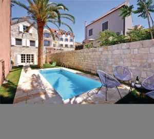 Rare 4 bed villa with pool in the heart of Split City