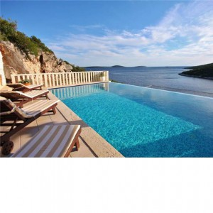 Villa for 7 near Trogir with chic pool lounge area