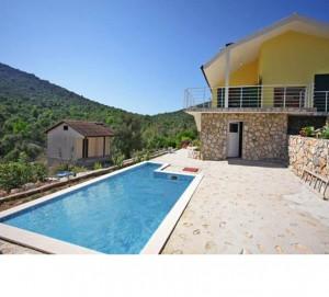 Seaside Villa for 6-7 nr Trogir, from £144/night