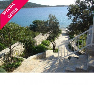 Peaceful 3 Bedroom Seaside Villa in Sevid