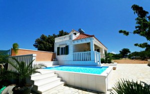 2 Bedroom Villa with Pool on Brac, Sleeps 4-6