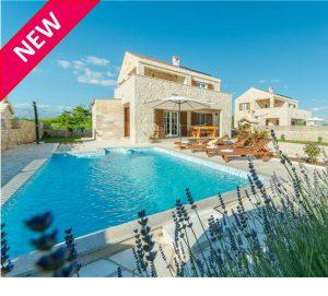 NEW 3 Bedroom Villa with Pool near the beach, Zadar region