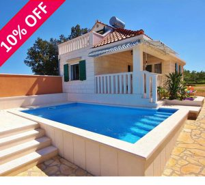 Family villa with heated pool on Brac. Sleeps 4-6.