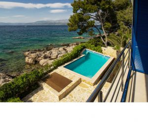 2 Bedroom Seafront Villa with Pool on Brac