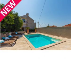 2 Bed Apartment with Private Pool, Dubrovnik