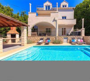 Villa for short stays in Dubrovnik, sleeps 14
