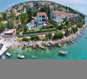 Great value beach front villa nr Split, sleeps 14